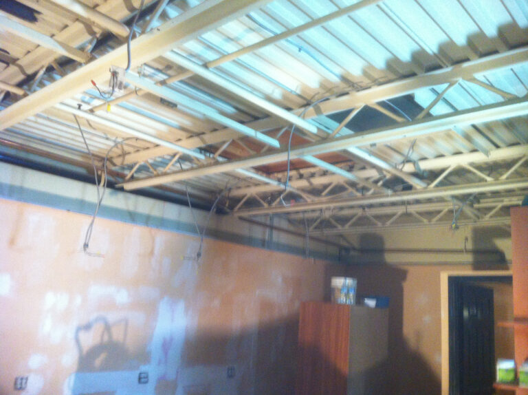 Commercial-Painter-Interior-renovation-hair-salon-before1