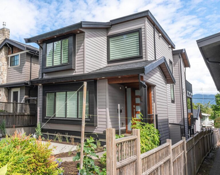 Exterior-house-painters-in-Vancouver